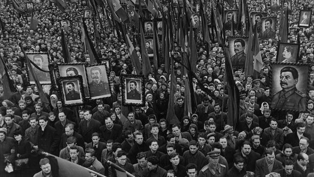 Народ на похоронах Сталина. 1953