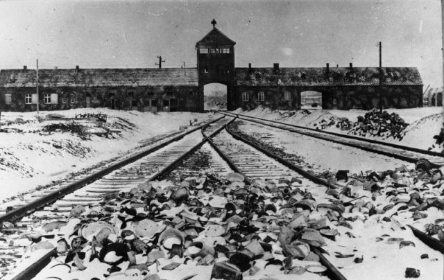 Освенцим после освобождения. 1945