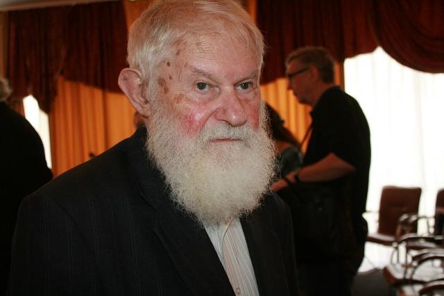 Владимир Микушевич