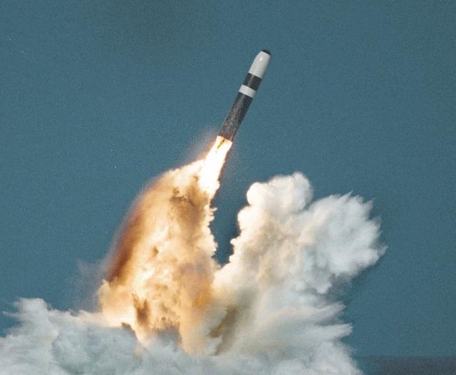 Американская баллистическая ракета Trident II