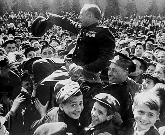 Красная площадь. Май 1945 года
