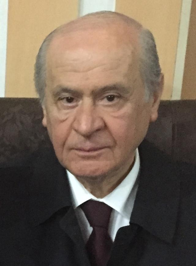 Девлет Бахчели