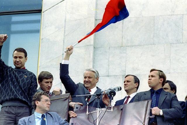 Борис Ельцин после поражения ГКЧП. 22 августа 1991