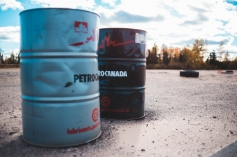 Что и почему сейчас происходит с нефтью