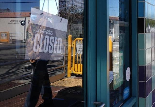 В США закрыты заведения и предприятия из-за эпидемии COVID-19