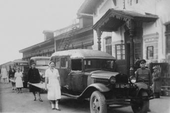 Вокзал, приемка раненых в чусовские госпитали. Чусовой. Пермский край. 1943-1945