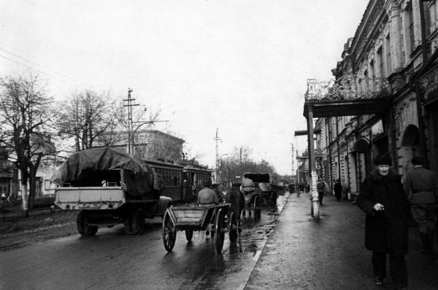 Прифронтовой Орджоникидзе. 1942