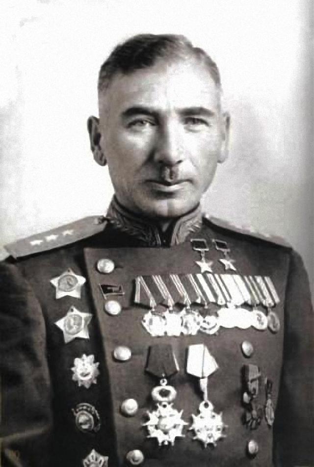 Дважды Герой Советского Союза Исса Плиев