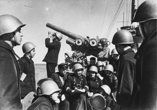 Оборона Севастополя. На палубе боевого корабля