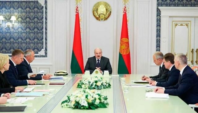 Александр Лукашенко и члены правительства Белоруссии