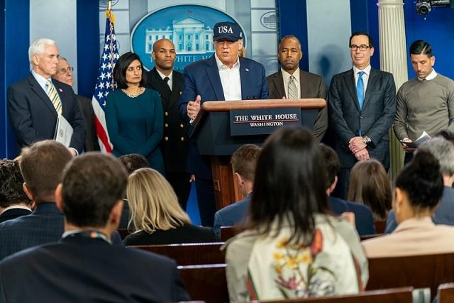 Пресс-конференция Дональда Трампа о ситуации распростронения коронавируса в США