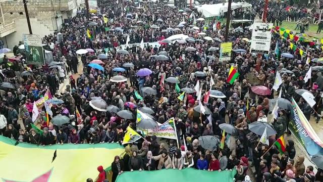 Демонстрации в Африне в поддержку курдских сил против турецкого вторжения. 19 января 2018