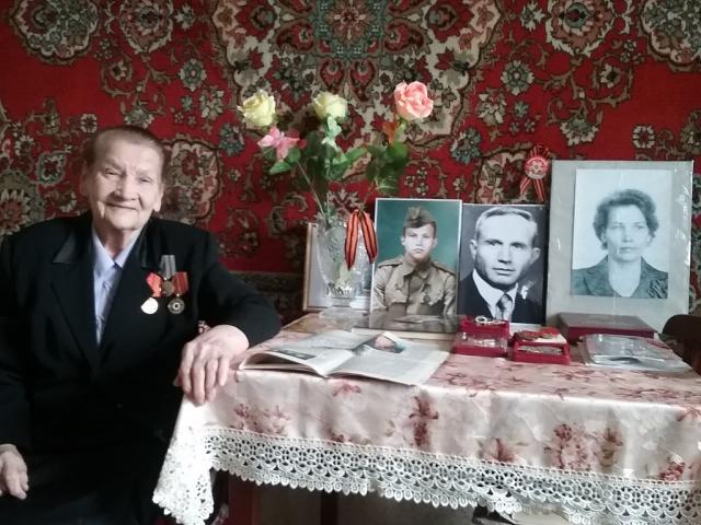 Калужские парламентарии вручили медали ветеранам войны