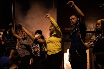Протесты в США после убийства в Миннесоте, афроамериканца Джорджа Флойда