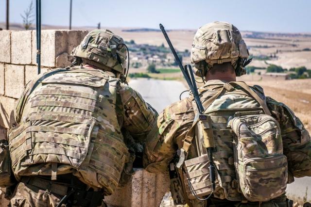 Американские солдаты в окрестностях Манбиджа. Сирия
