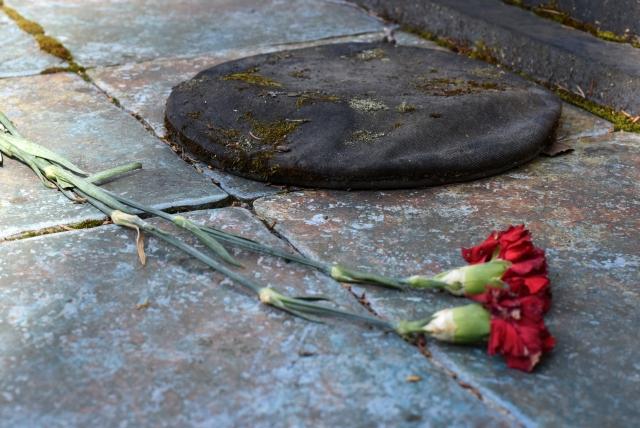 Памятник Юлле Пантелея