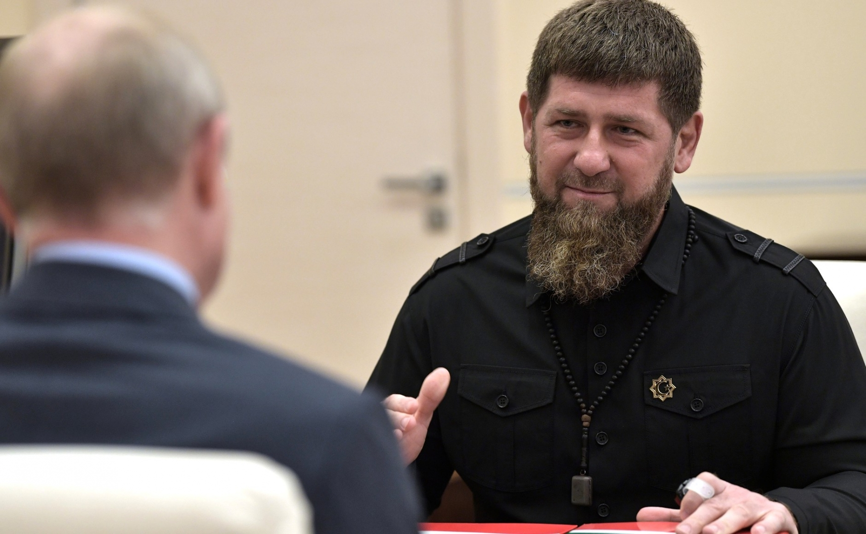 Кадыров поведал  овведённых имсанкциях вотношении Помпео