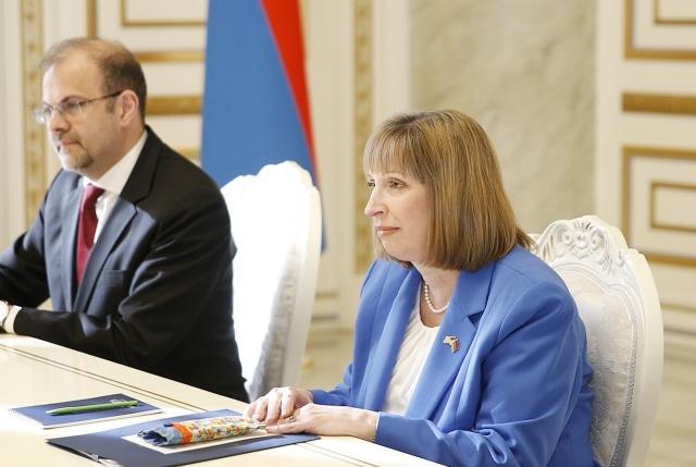 Посол США в Армении  Линн Трейси на приеме у Николы Пашиняна