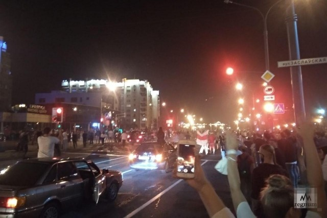 Марш белорусской оппозиции на проспекте Победителей