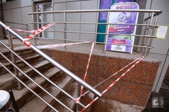 Закрытый в период пандемии фитнес-центр