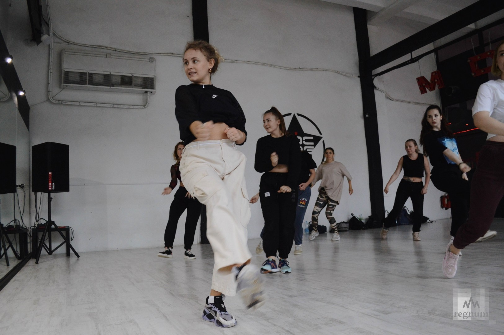 Школа танцев стихи