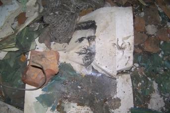 Находки в здании бывшей сельской школы в алтайском селе Лаврентьевка