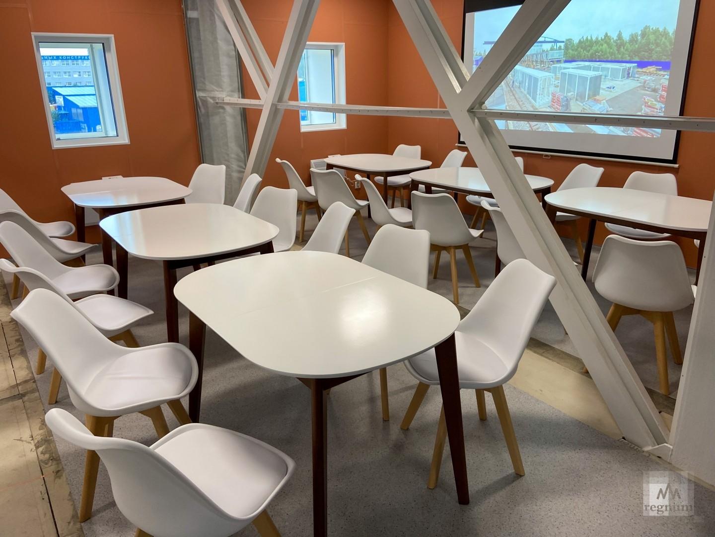 В комплексе предусмотрена современная кухня и комфортная столовая.