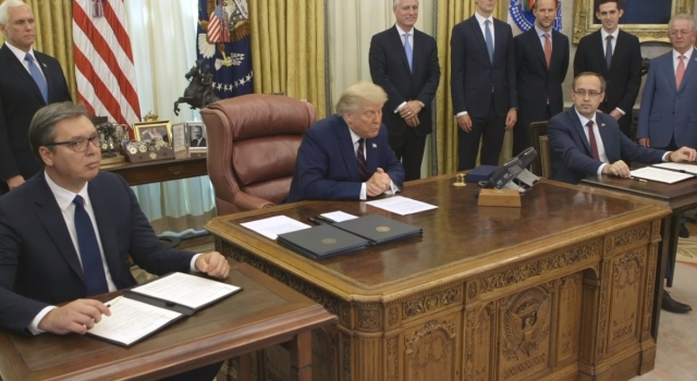 Президент Дональд Трамп объявил об историческом прорыве между Сербией и Косово. Визит в Вашингтон