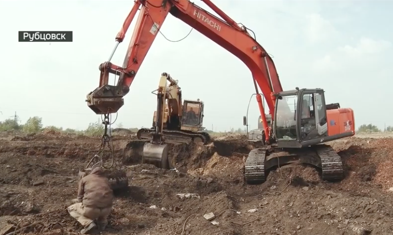 Руины крупнейшего в СССР сельхозпредприятия отдали охотникам металлом