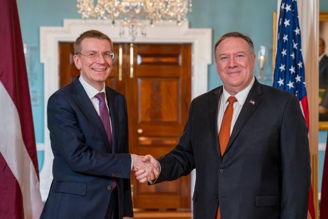 Министр иностранных дел Латвии Эдгар Ринкевичс и государственный секретарь США Майк Помпео