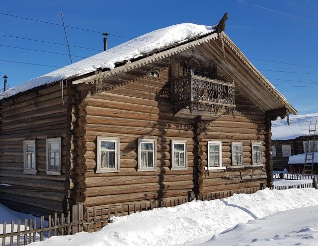 Село Карпогоры, «арктический» Пинежский район Архангельской области. Здесь компанией УЛК начато строительство крупнейшего лесоперерабатывающего предприятия России. Но с получением «арктических» льгот есть трудности, связанные с ограничениями в законе