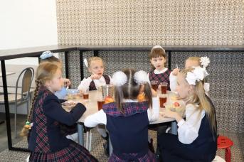 Так питаются школьники младших классов в Чите