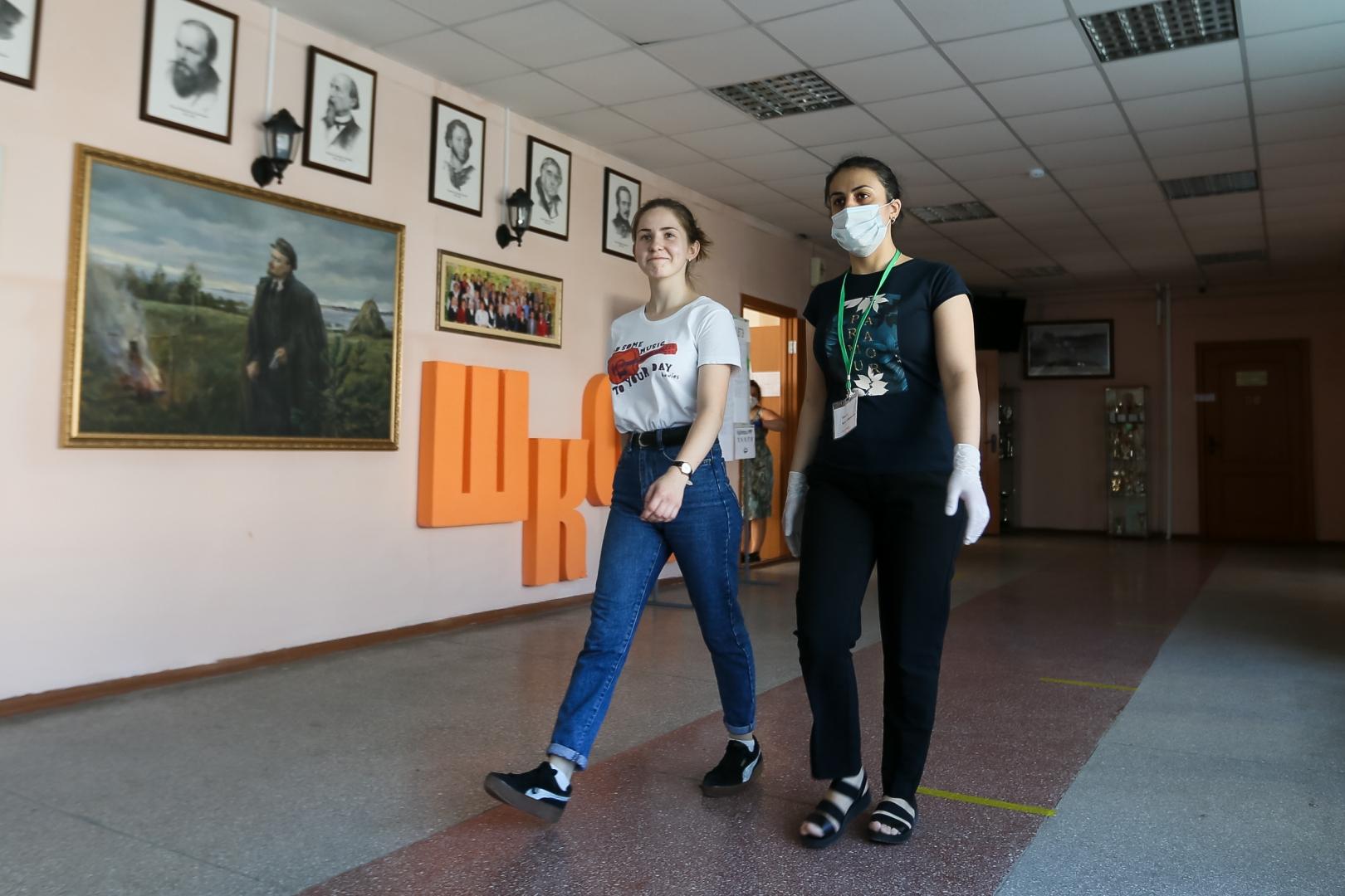 Кравцов оценил работу российских школ в условиях пандемии