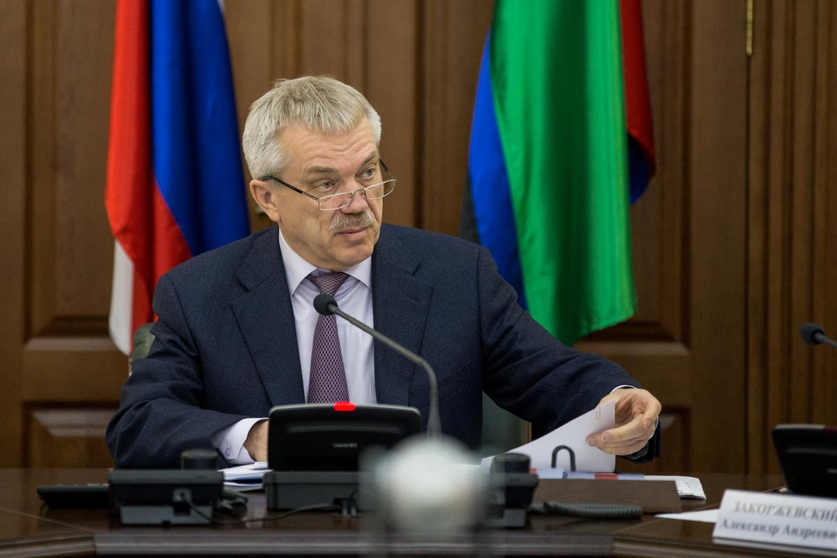 Владимир Путин принял отставку белгородского губернатора Савченко