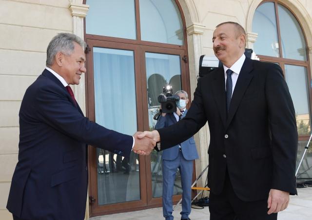 Сергей Шойгу и Ильхам Алиев