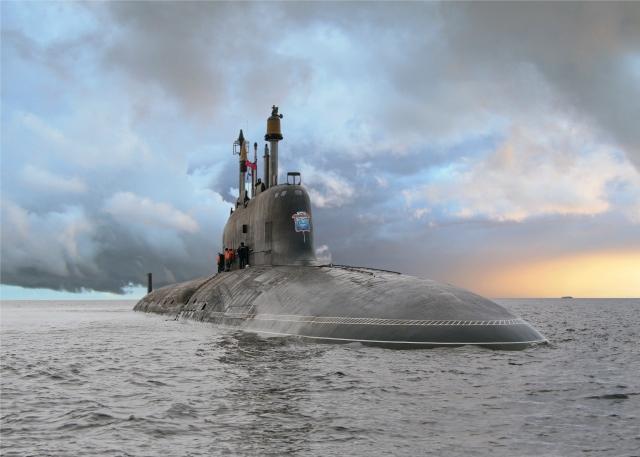 Многоцелевая атомная подводная лодка проекта 885 «Ясень» построенная на АО «ПО Севмаш» в Северодвинске. Против таких АПЛ, и ракетных крейсеров стратегического назначения «Борей», готовится американская система подводной разведки в Арктике