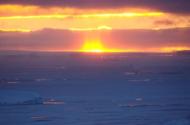 Солнце над Антарктидой