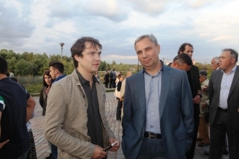 Александр Петров (справа) с сыном в Выборге