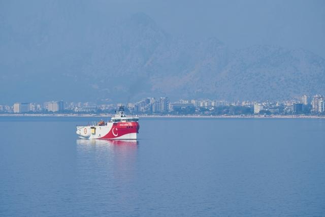 Турецкое исследовательское судно « Оруч Реис»