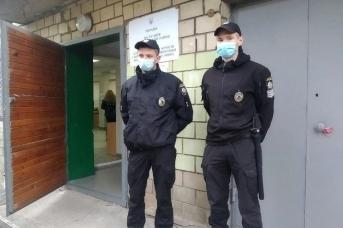 Перед избирательным участком. Киев