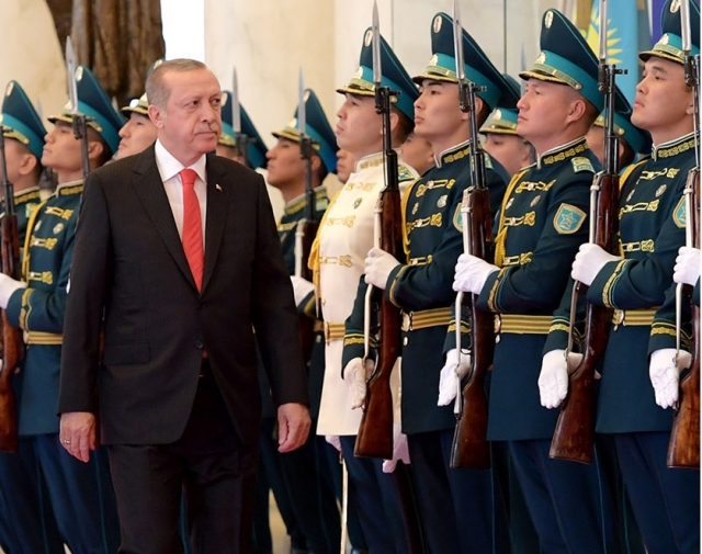 Реджеп Тайип Эрдоган во время визита в Казахстан