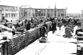 Строили завод 402 и Молотовск (ныне Северодвинск) в том числе и заключённые Ягринлага