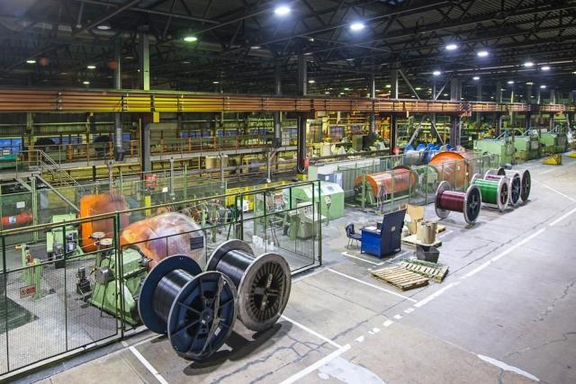 На заводе «Севкабель»