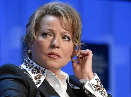 Матвиенко предложила передать семейную политику Минтруду
