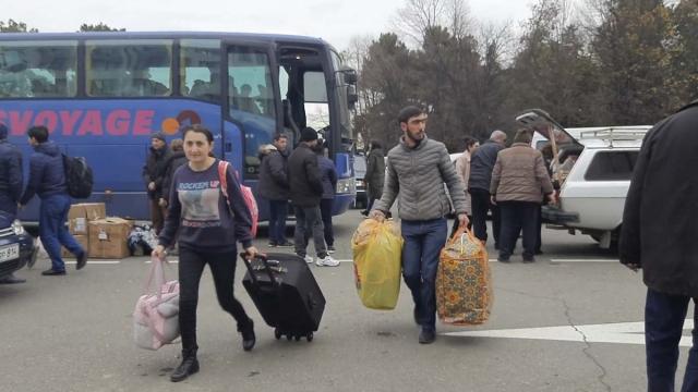 Беженцы возвращаются в Степанакерт