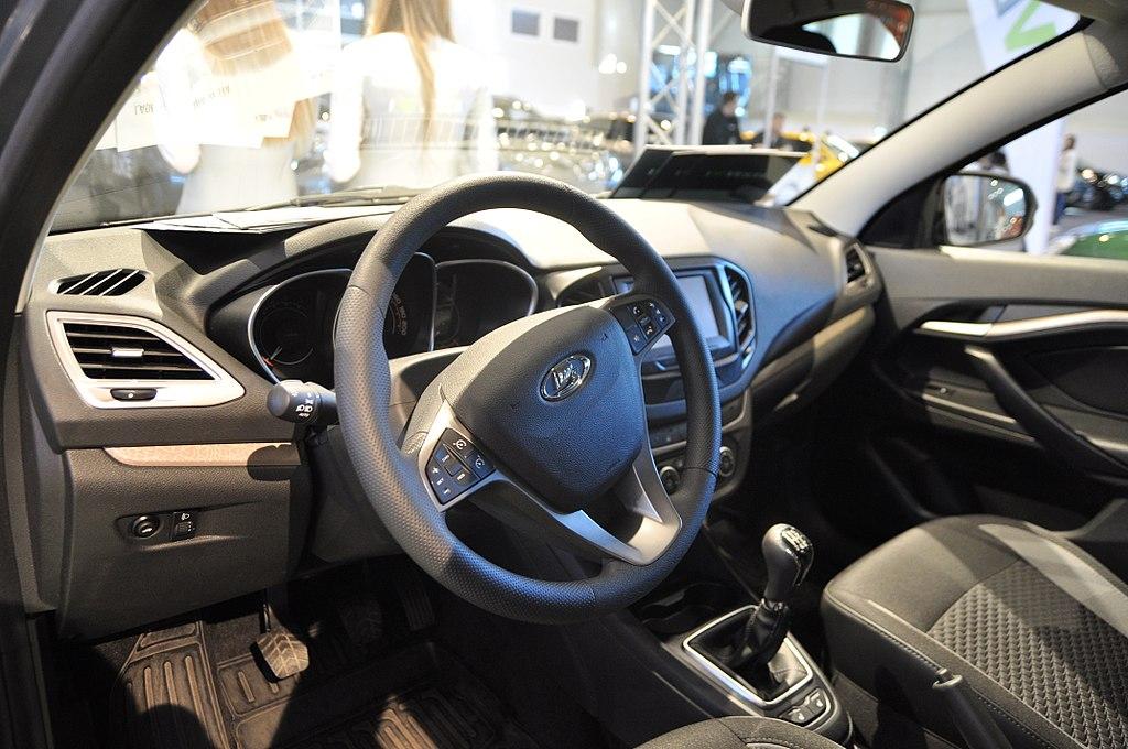 В Чувашии массово закупают автомобили для чиновников