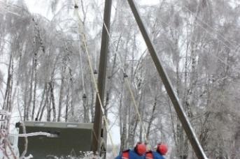 Снегопад обесточил четыре района