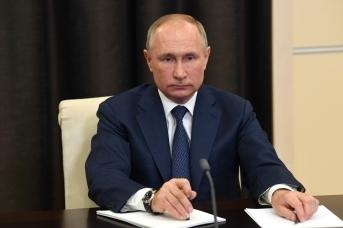 Президент России Владимир Путин в ходе основной дискуссии конференции по искусственному интеллекту Artificial Intelligence Journey