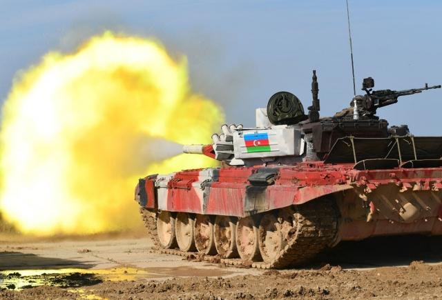 Танк вооруженных сил Азербайджана