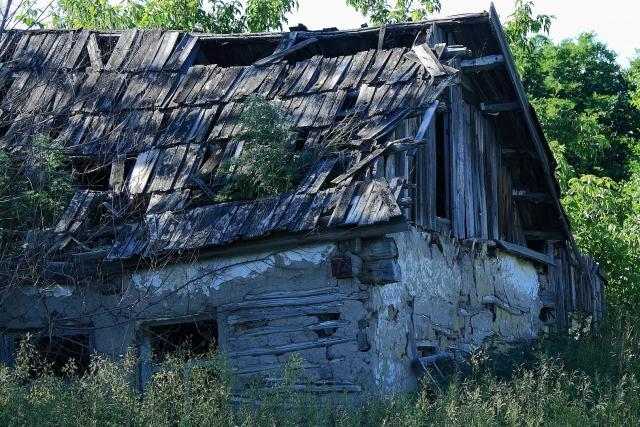 Заброшенный сельский дом